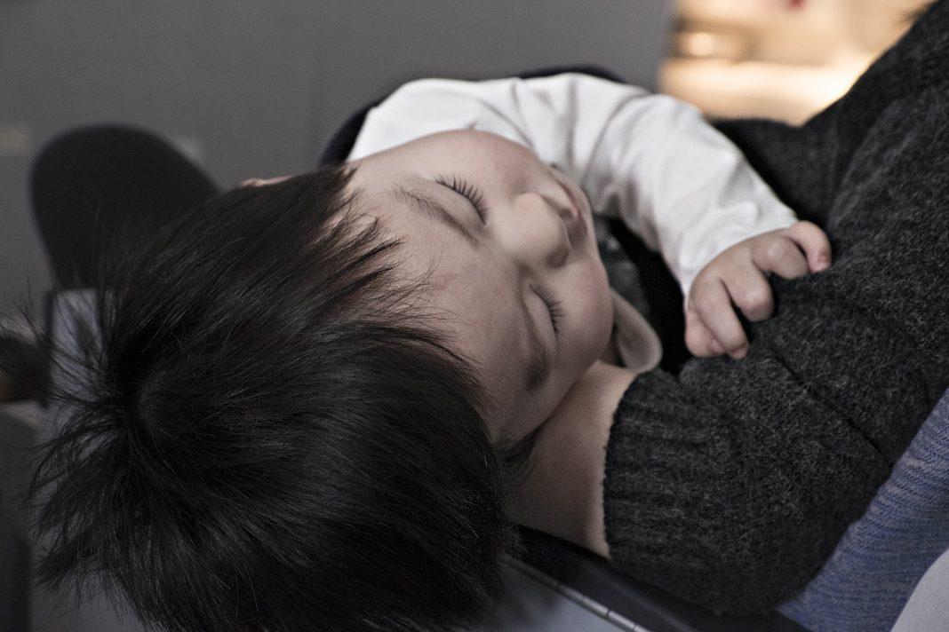 mon fils de 2 ans ne veut plus dormir seul